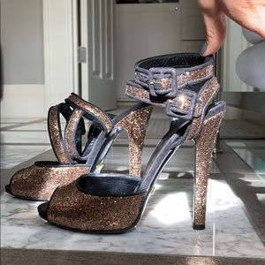 Authentic Gucci sparkly heels. S7